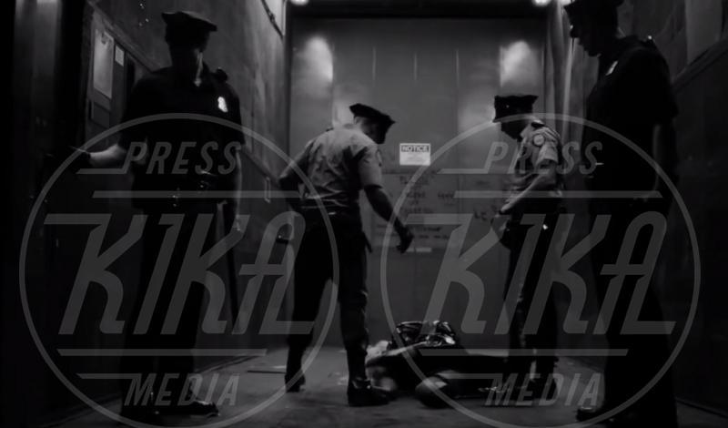 Madonna - Los Angeles - 26-06-2013 - Madonna spara nel nuovo Secret Project: il trailer