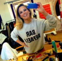 Bar Refaeli - Los Angeles - 25-06-2013 - Dillo con un tweet: Hilary Duff ha dato l'addio alla sua Lola