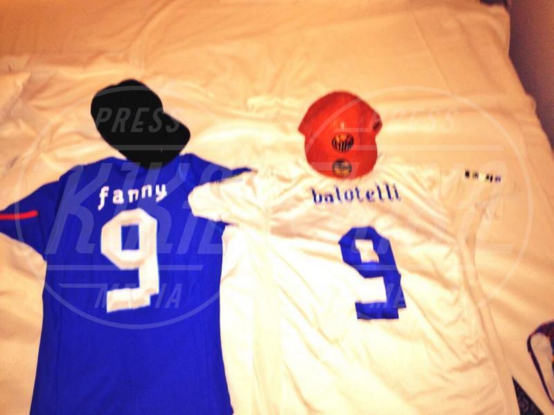 Fanny Neguesha, Mario Balotelli - Rio de Janeiro - 10-06-2014 - Dillo con un tweet: Hilary Duff ha dato l'addio alla sua Lola