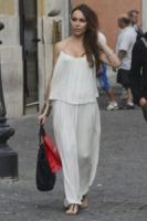 Vittoria Schisano - Roma - 26-06-2013 - Quest'estate le star vanno in bianco