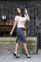 Kelly Brook - Londra - 02-07-2013 - Casual addio: oggi lo street-style diventa bon ton!