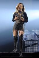 Rihanna - Toronto - 18-03-2013 - Il fantastico mondo a luci rosse di Rihanna