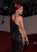 Rihanna - New York - 02-05-2011 - Il fantastico mondo a luci rosse di Rihanna