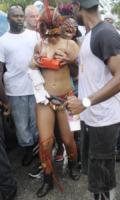 Rihanna - Barbados - 01-08-2011 - Il fantastico mondo a luci rosse di Rihanna