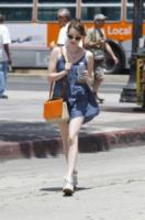 Emma Roberts - Los Angeles - 02-07-2013 - Sono Roberts, Emma Roberts, e te le suono: pugni al fidanzato