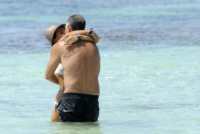 Sonia Bruganelli, Paolo Bonolis - Formentera - 04-07-2013 -  Sonia Bruganelli provoca gli haters: