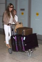 Damian Hurley, Elizabeth Hurley - Las Vegas - 04-07-2013 - Fashion Week o viaggio di piacere, i travel outfit delle star