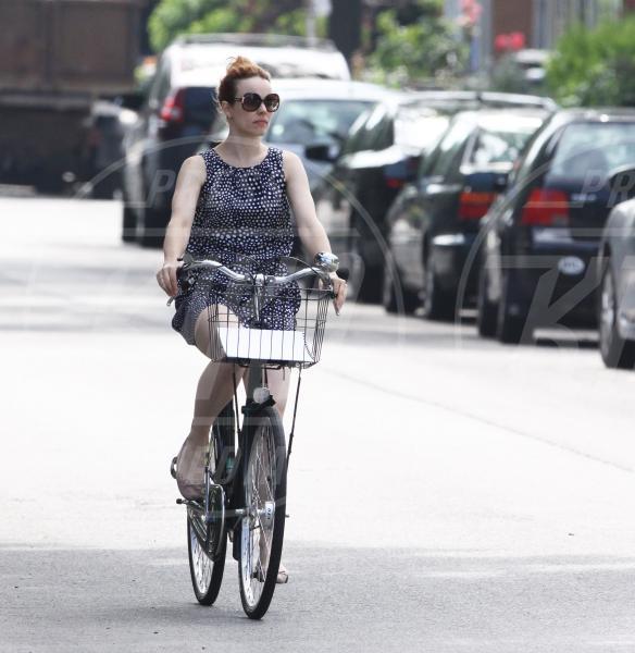 Rachel McAdams - Toronto - 04-07-2013 - Dove vai, se la bici (condivisa) non ce l'hai?