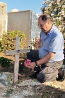 "cimitero immigrati - Lampedusa - 07-07-2013 - Lampedusa: ""Qui ho sepolto i migranti senza nome"""