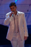 Paolo Meneguzzi - Sanremo - 04-03-2007 - Essere o non essere gay? Questo è il pettegolezzo