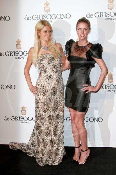 Nicky Hilton, Paris Hilton - Cannes - 23-05-2012 - Il mondo è bello vicino a mio fratello