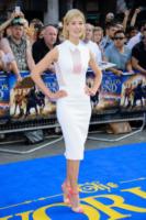 Rosamund Pike - Londra - 10-07-2013 - Rosamund Pike, un'eleganza da Oscar. Guarda che stile!