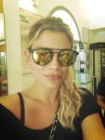 Emma Marrone - Milano - 13-07-2013 - Dillo con un tweet: Raffaella Fico versione reporter da spiaggia