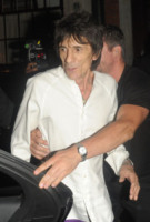 Ronnie Wood - Londra - 13-07-2013 - Ronnie Wood e la lotta contro il cancro: