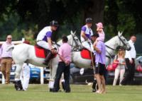 Principe William, Principe Harry - Gloucestershire - 14-07-2013 - Il principe William aspetta la nascita del bebè giocando a polo