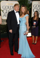 Melania Knauss, Donald Trump - Beverly Hills - 16-01-2007 - Donald Trump multato per bandiera Usa troppo alta