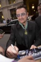 Bono - Parigi - 16-07-2013 - Bono Vox è un comandante delle Arti e delle Lettere