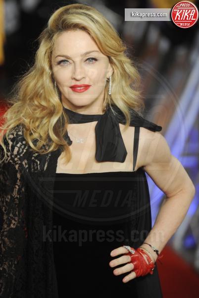 Madonna - New York - 30-10-2012 - Incubo stalker: Fabio Quagliarella esce dal tunnel