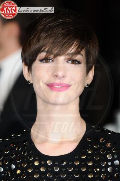 Anne Hathaway - Londra - 10-02-2013 - Underbutt: la nuova frontiera del lato b