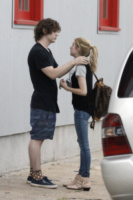 Evan Peters, Emma Roberts - New Orleans - 16-07-2013 - Le scarpe preferite di Kate Middleton? Sono italiane