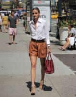 Olivia Palermo - New York - 17-07-2013 - Le celebrity nate con la camicia… bianca!