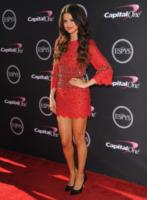Selena Gomez - Los Angeles - 17-07-2013 - Il re del Capodanno? E' sempre sua maestà il rosso!