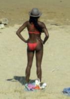 Naomi Campbell - Mykonos - 17-07-2013 - Naomi Campbell: striptease a Mykonos
