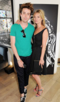 Nick Grimshaw, Kate Moss - Londra - 18-07-2013 - K.M.       telefono              casa