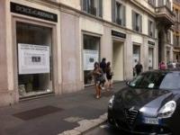 Negozio Dolce&Gabbana - Milano - 19-07-2013 - Dolce&Gabbana chiude le boutique per indignazione