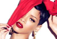 Rihanna - Milano - 19-07-2013 - Dillo con un tweet: Valentino Rossi pensa al cavatappi