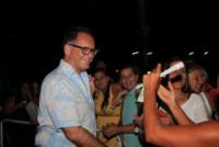Alessandro Cecchi Paone, fans - Napoli - 20-07-2013 - Maria Grazia Cucinotta apre un mondo di solidarietà