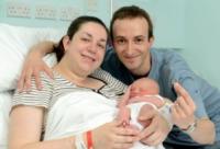 Beverley Miell, Marc Miell, Adam Miell - 22-07-2013 - Un penny d'argento per ogni piccolo inglese nato il 22/7/2013