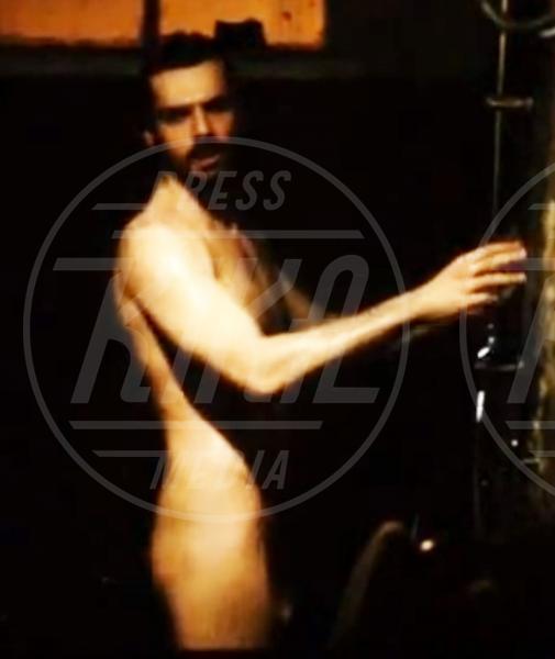 Luca Argentero - 23-07-2013 - Sono esibizionista dunque sono: le star si mettono a nudo