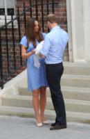 Principe William, Kate Middleton - Londra - 23-07-2013 - Kate e William presentano il piccolo Cambridge