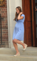 Principe George, Kate Middleton - Londra - 23-07-2013 - Kate Middleton, per il royal baby in rosso come Lady Diana