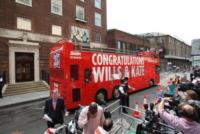 Sun DoubleDecker - Londra - 24-07-2013 - Royal Cambridge, le congratulazioni non sono più solo su carta