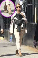Blue Ivy Carter, Beyonce Knowles - New York - 13-03-2012 - Lindsay Lohan e le altre celebrity dai passi… felini!