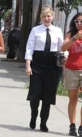 Tatum O'Neal - New York - 24-07-2013 - Camicia bianca e gonna nera: un look… evergreen!