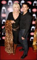 Edouard Collin, Amanda Lear - Parigi - 21-09-2009 - Non solo Kate Beckinsale, le cougar dello star system