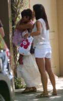 "Nahla Ariela Aubry, Halle Berry - Los Angeles - 27-07-2013 - La voglia ""fruttosa"" di una gravida Halle Berry"