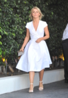 Julianne Hough - Los Angeles - 28-07-2013 - Quest'estate le star vanno in bianco