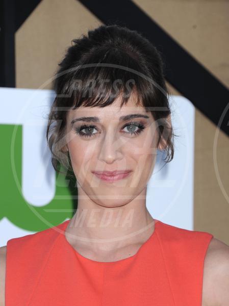 Lizzy Caplan - Beverly Hills - 28-07-2013 - Autunno 2013, il ritorno della frangia