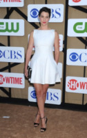 Cobie Smulders - Beverly Hills - 28-07-2013 - Quest'estate le star vanno in bianco