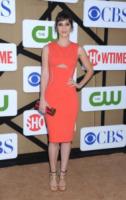 Lizzy Caplan - Beverly Hills - 28-07-2013 - Quando le star ci danno un taglio… allo scollo!