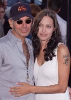Angelina Jolie - Los Angeles - 31-07-2001 - Ti amo e me lo scrivo… sulla pelle!