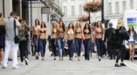 Invisibra - Londra - 31-07-2013 - Londra: il reggiseno è invisibile, le modelle no di certo
