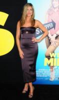 Jennifer Aniston - New York - 01-08-2013 - Per il 2014, le celebrity scelgono il colore viola