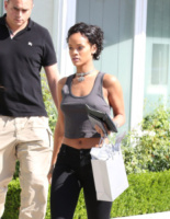 Rihanna - Los Angeles - 01-08-2013 - A qualcuna piace corto… il capello
