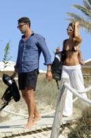 Tommy Chiabra, Fiammetta Cicogna - Formentera - 01-08-2012 - Fiammetta Cicogna, vacanze infuocate con mister muscolo
