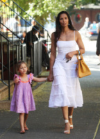 Padma Lakshmi - New York - 05-08-2013 - Quest'estate le star vanno in bianco